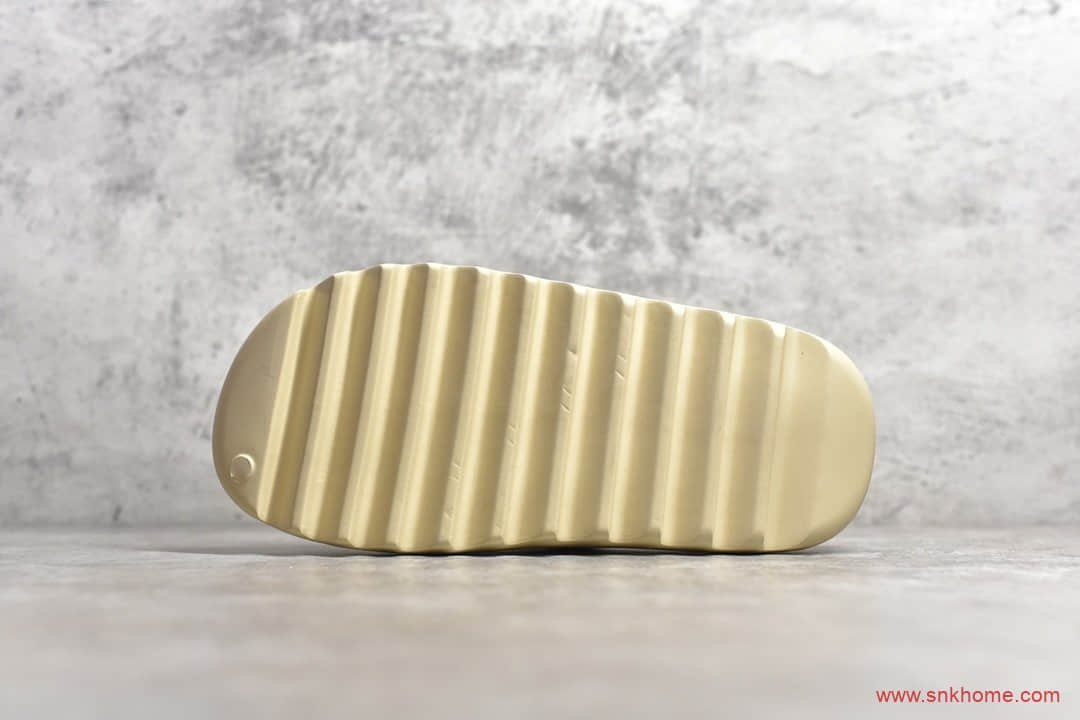 "椰子拖鞋骨白配色 adidas Originals Yeezy Slide ""Bone""正品椰子拖鞋 货号:FW6345-潮流者之家"