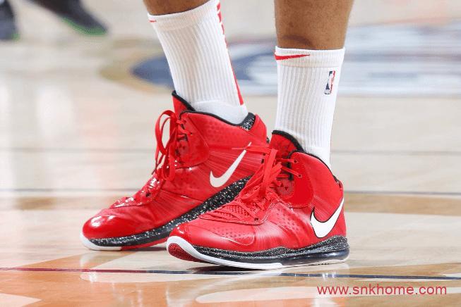 """詹姆斯8代球鞋复刻发售 Nike LeBron 8 QS """"Gym Red"""" 詹姆斯红色全掌气垫篮球鞋 货号:CT5330-600-潮流者之家"""