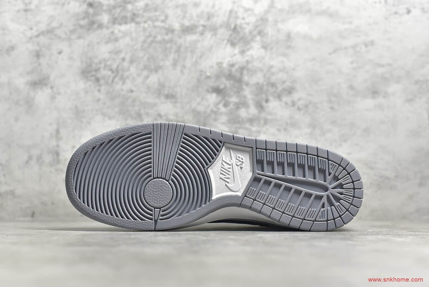 耐克Dunk SB白灰黑低帮 NIKE SB Dunk Low Pro 顶级版本耐克Dunk SB板鞋 货号:AR0778-092-潮流者之家
