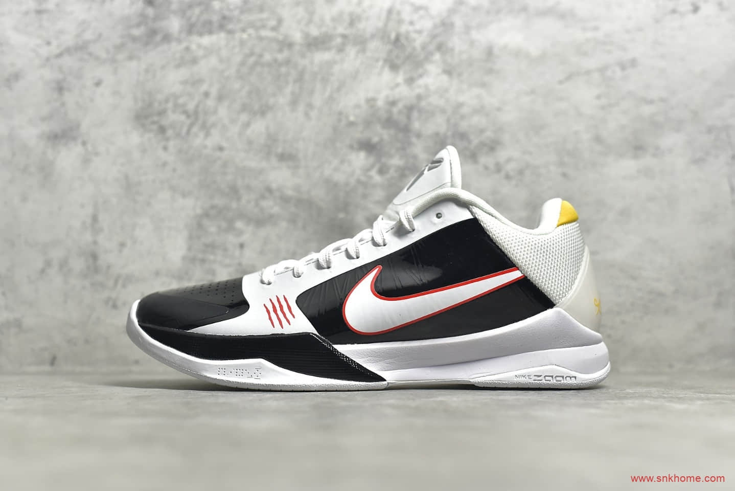 耐克科比ZK5科比五代黑白李小龙 NIKE ZK5 PROTRO 科比球鞋2020复刻版 货号:CD4991-101-潮流者之家