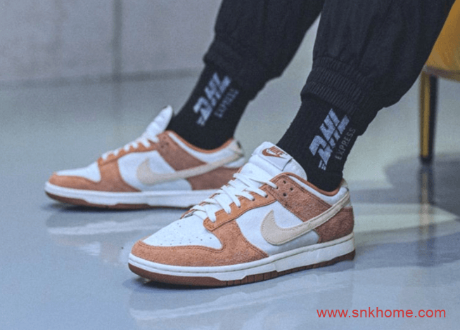 """耐克棕色麂皮低帮新配色即将发售 Nike Dunk Low PRM """"Medium Curry"""" 耐克休闲板鞋 货号:DD1390-100-潮流者之家"""
