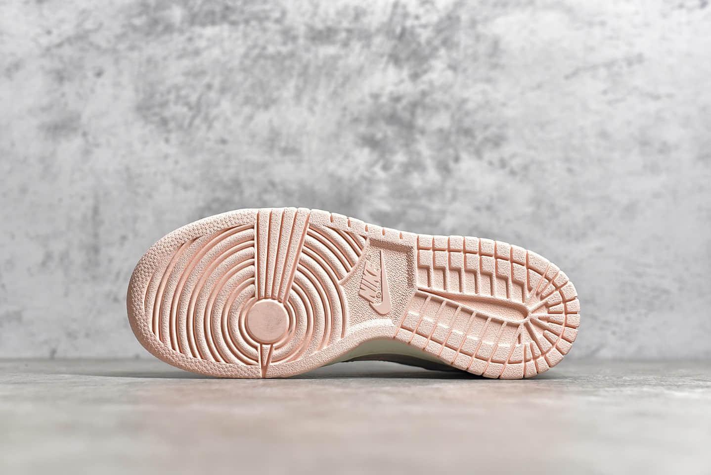 耐克Dunk白粉色低帮纯原版本 NIKE Wmns Dunk Low 耐克Dunk奶油粉低帮女子板鞋 货号:311369-104-潮流者之家