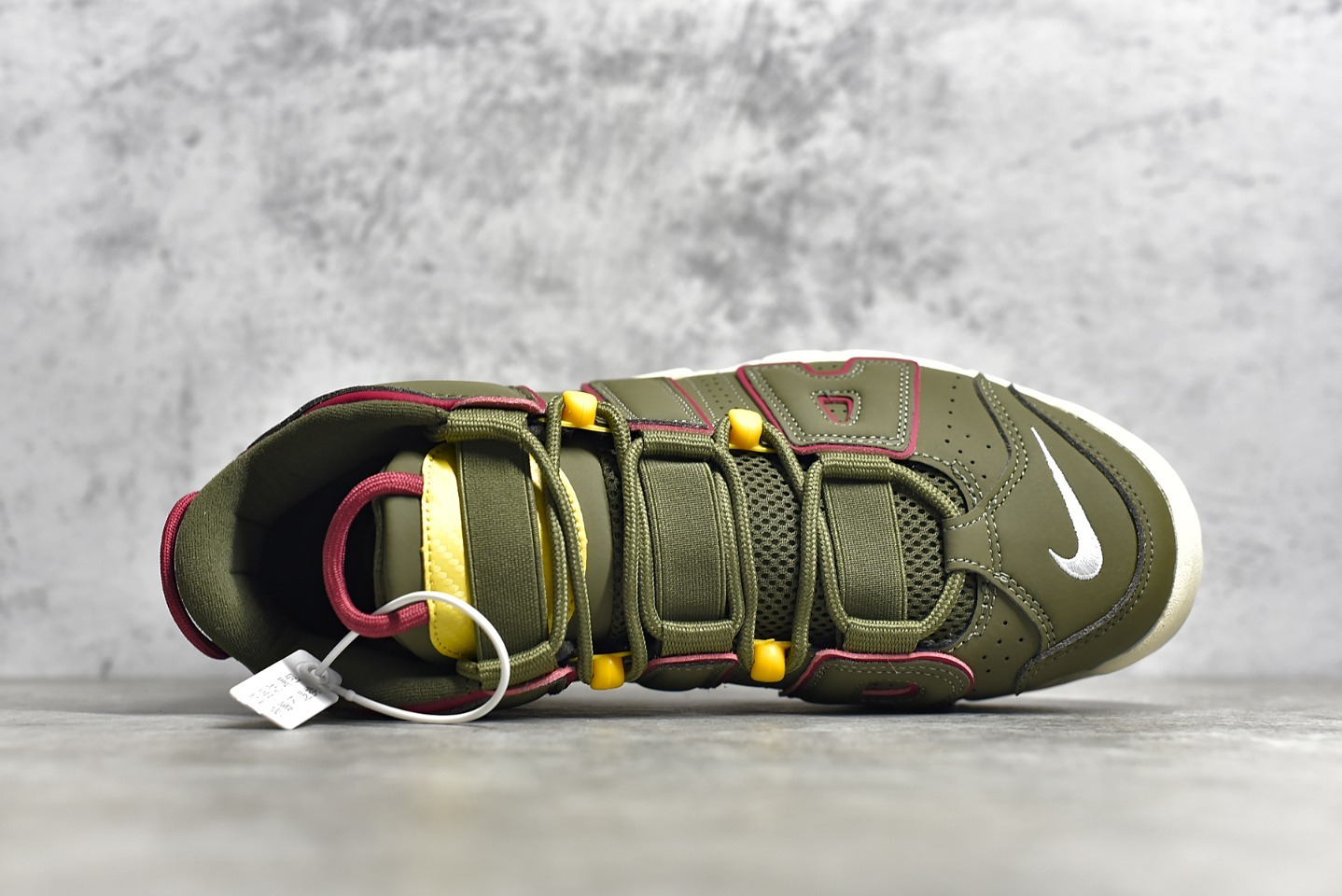 耐克大AIR皮蓬橄榄绿实战球鞋 NIKE WMNS Air More Uptempo GS Barely Green 皮蓬初代系列经典球鞋 货号:DH0622-300-潮流者之家