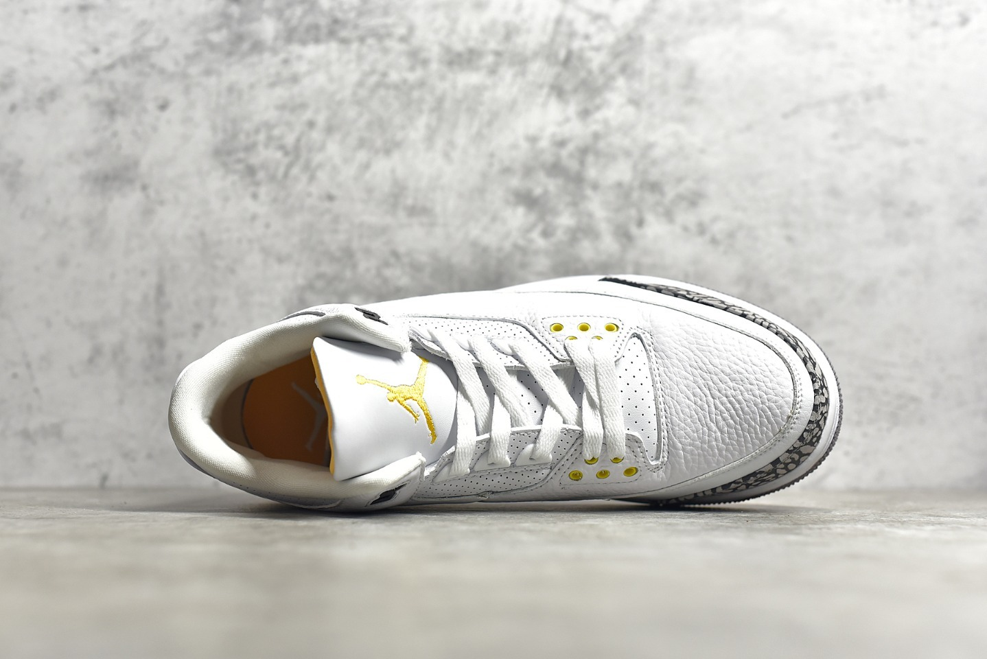 "AJ3湖人白金色 Air Jordan 3 Retro ""Laser Orange""湖人 AJ3白橙球鞋实战版本 货号:CK9246-108-潮流者之家"