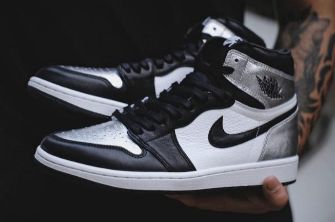 "AJ1黑银脚趾实物图 Air Jordan 1 High OG WMNS ""Silver Toe"" 全新AJ1液态金属黑银高帮发售日期 货号:CD0461-001-潮流者之家"