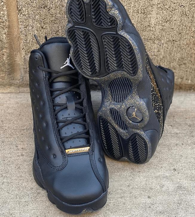 """AJ13满天星新款海外曝光 Air Jordan 13 GS """"Black Gold"""" AJ13黑金实战球鞋发售日期 货号:DC9443-007-潮流者之家"""