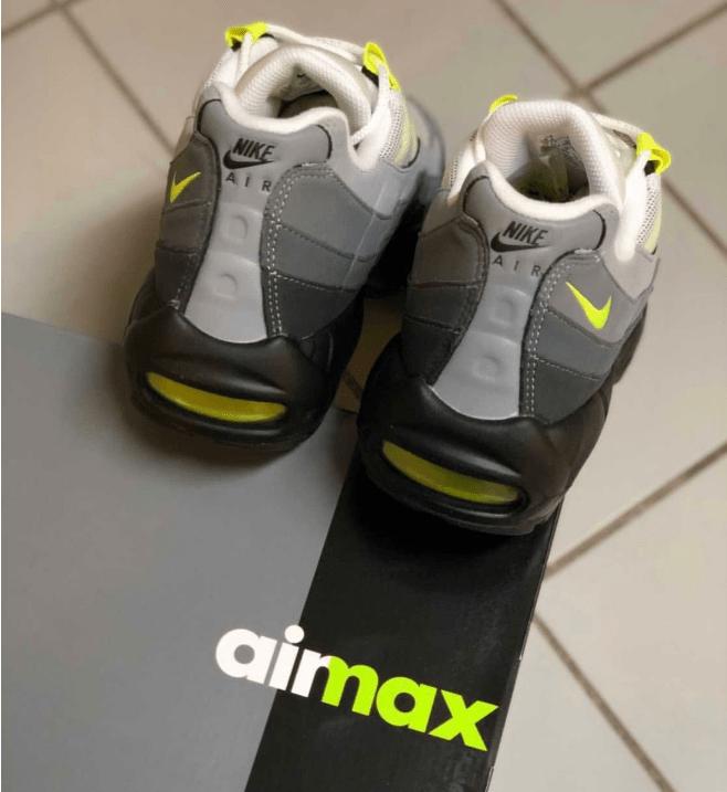 """耐克MAX95经典复刻单换宝马配色来了 Nike Air Max 95 """"Neon"""" 日系耐克老爹鞋下个月发售-潮流者之家"""
