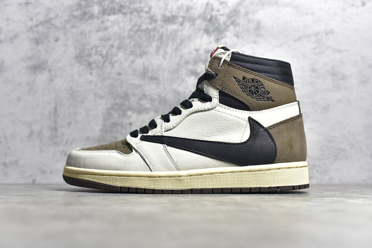 AJ1斯科特联名倒钩 Travis Scott x Air Jordan 1纯原版本AJ1白粽拼接鞋面 货号:555088-105-潮流者之家