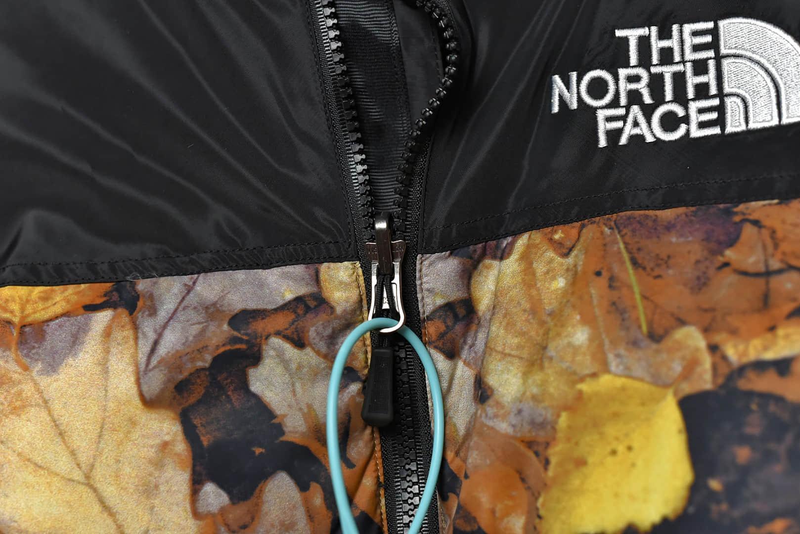 北面sup联名落叶羽绒服 THE NORTH FACE 正品品质北面 充绒量高达500g日本进口田岛刺绣-潮流者之家