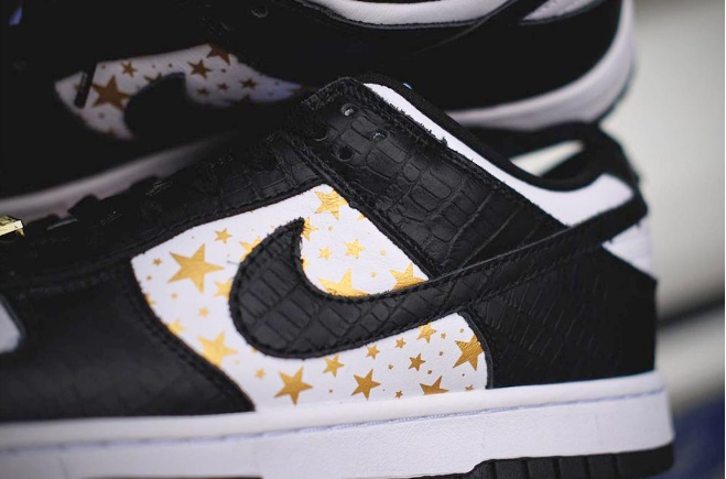 "耐克Dunk SB SUP联名款板鞋 Supreme x Nike SB Dunk Low ""Black Stars"" 耐克Dunk鳄鱼皮低帮 货号:DH3228-102-潮流者之家"