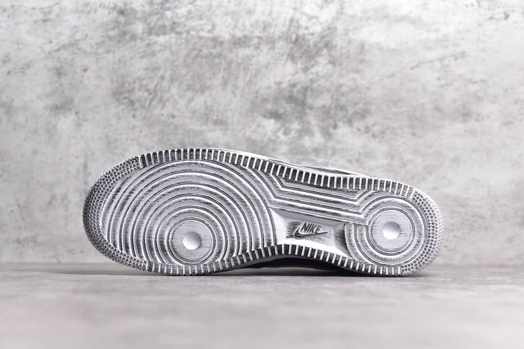 耐克空军权志龙联名小雏菊一代 GD-PEACEMINUSONE x Nike Air Force 1 耐克空军撕撕乐做旧板鞋 货号:AQ3692-001-潮流者之家