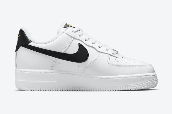 耐克空军白黑低帮新款 Nike Air Force 1 Low 金色表示点缀新款耐克空军发售 货号:CZ0270-102-潮流者之家