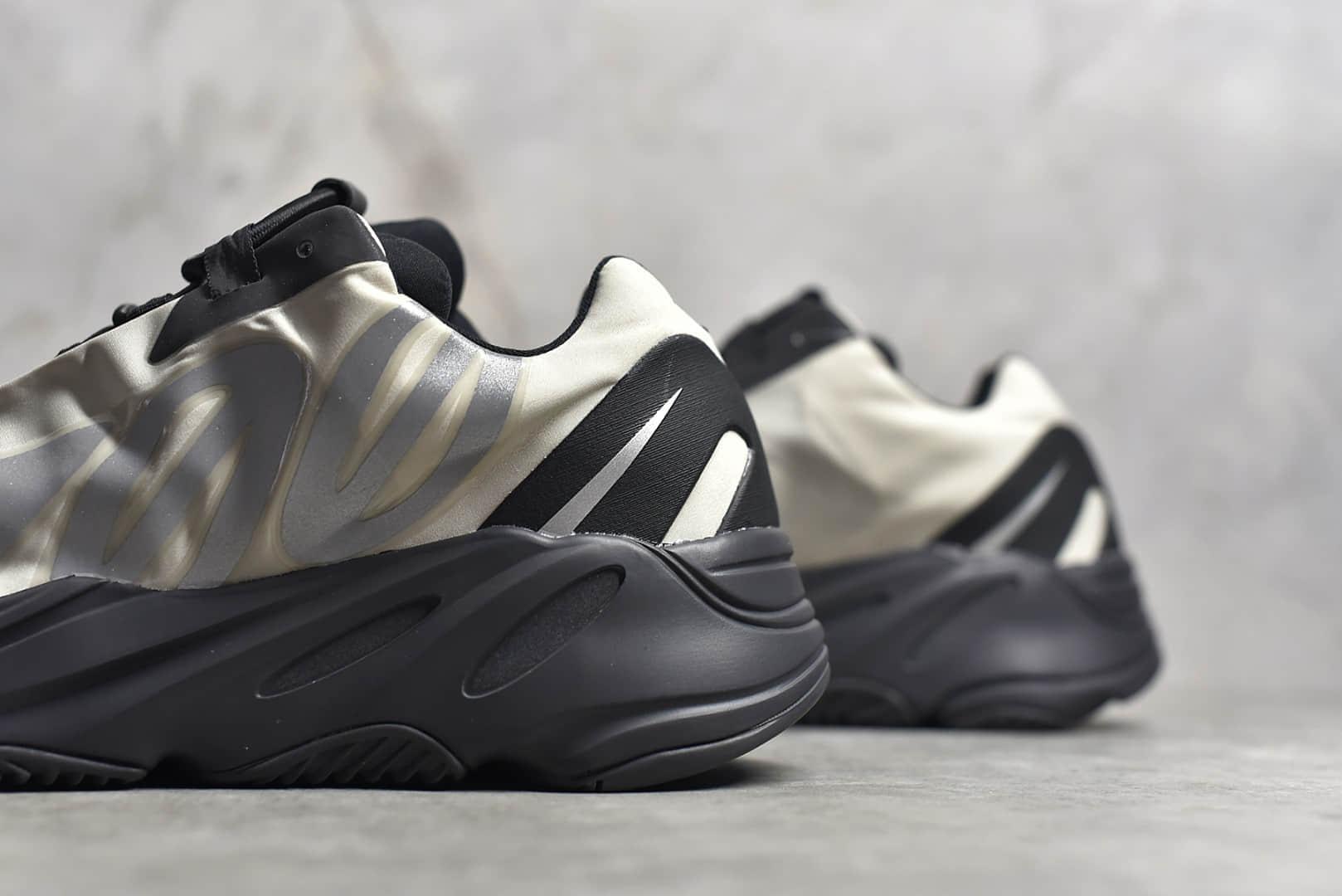 椰子700MNVN骨白OG纯原版本 adidas originals Yeezy Boost 700 MNVN Bone 椰子700反光 椰子700骨白 货号:FY3729-潮流者之家