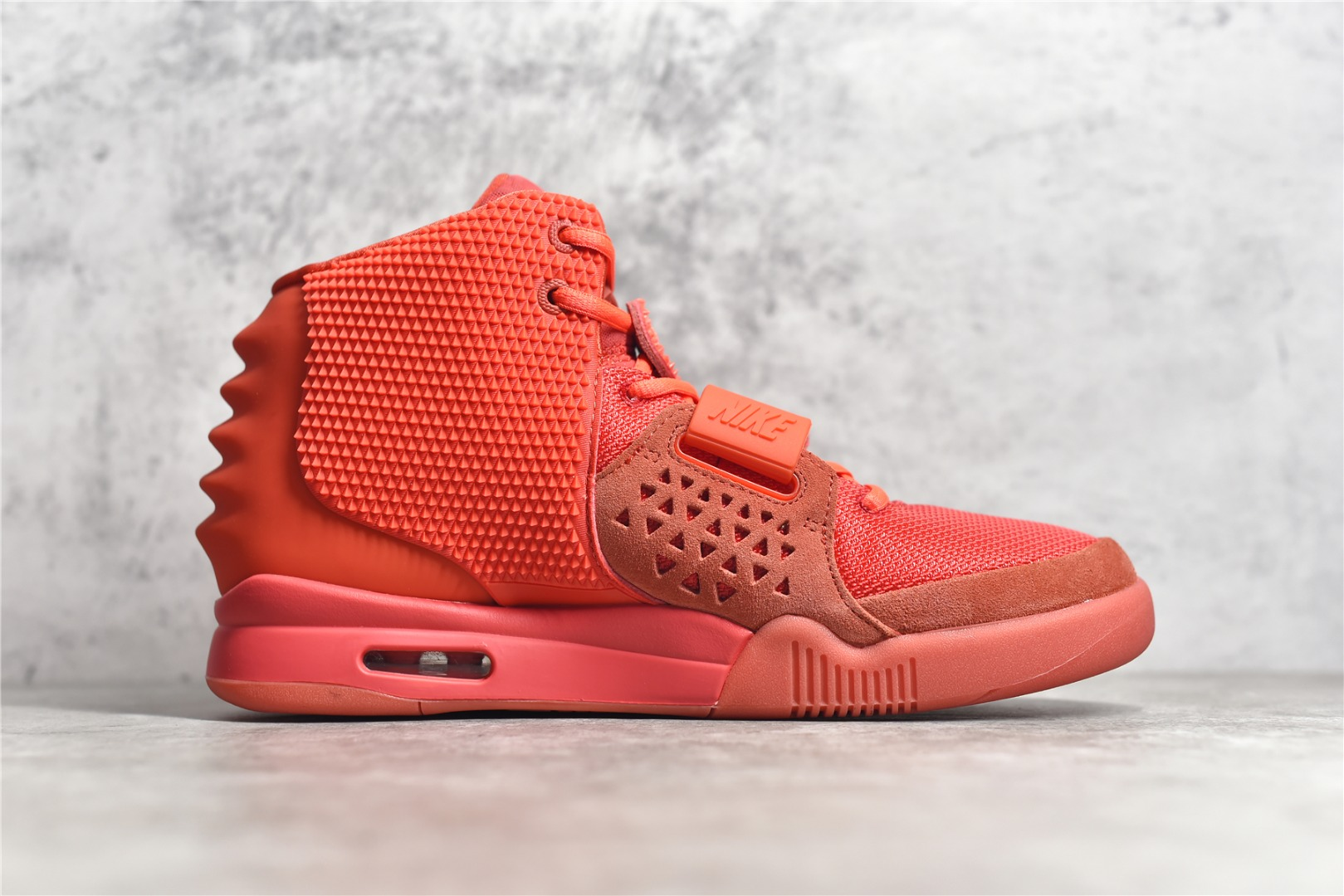 耐克椰子红色椰子球鞋 NIKE AIR YEEZY 2 RED OCTOBER 莆田纯原版本耐克红色椰子天价球鞋 货号:508214-660-潮流者之家