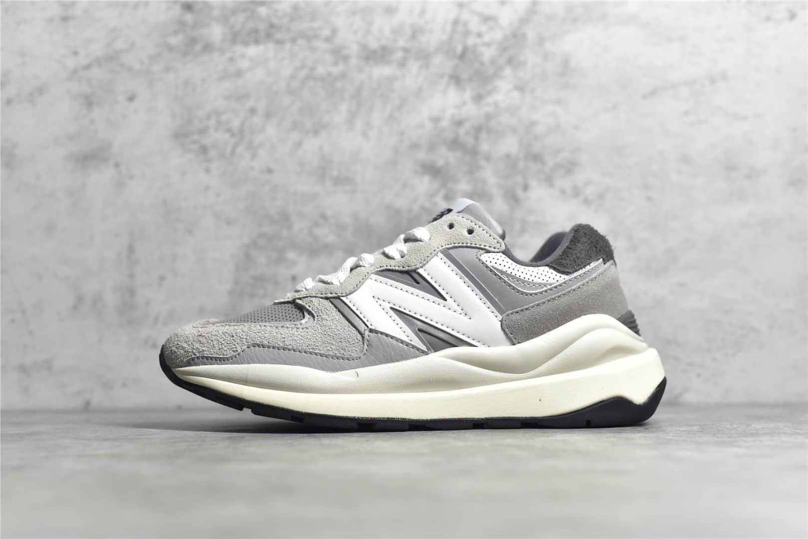 新百伦NBM5740雾灰色 New Balance M5740 新百伦M5740灰白色跑鞋 新百伦猪八麂皮拼接跑鞋 货号:M5740CA-潮流者之家