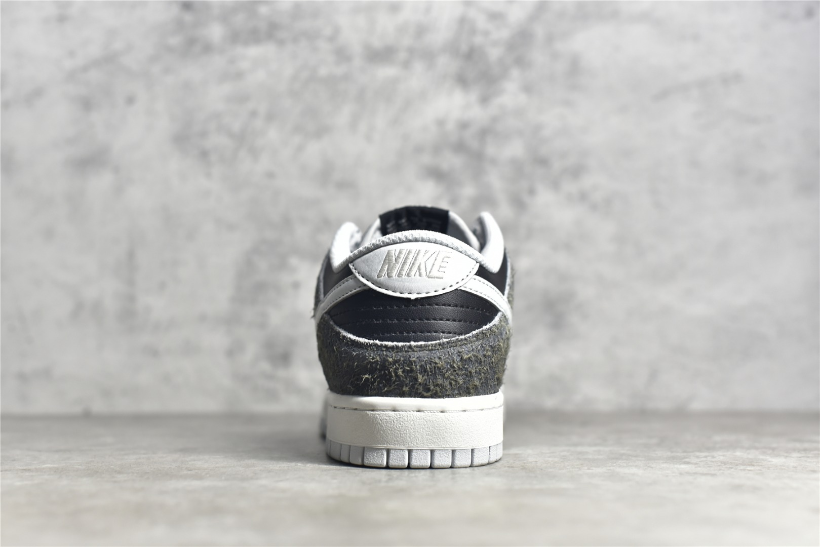 耐克Dunk灰黑色斑马低帮板鞋 Nike Dunk Low Retro PRM 莆田耐克黑色低帮运动校园板鞋 货号:DH7913-001-潮流者之家