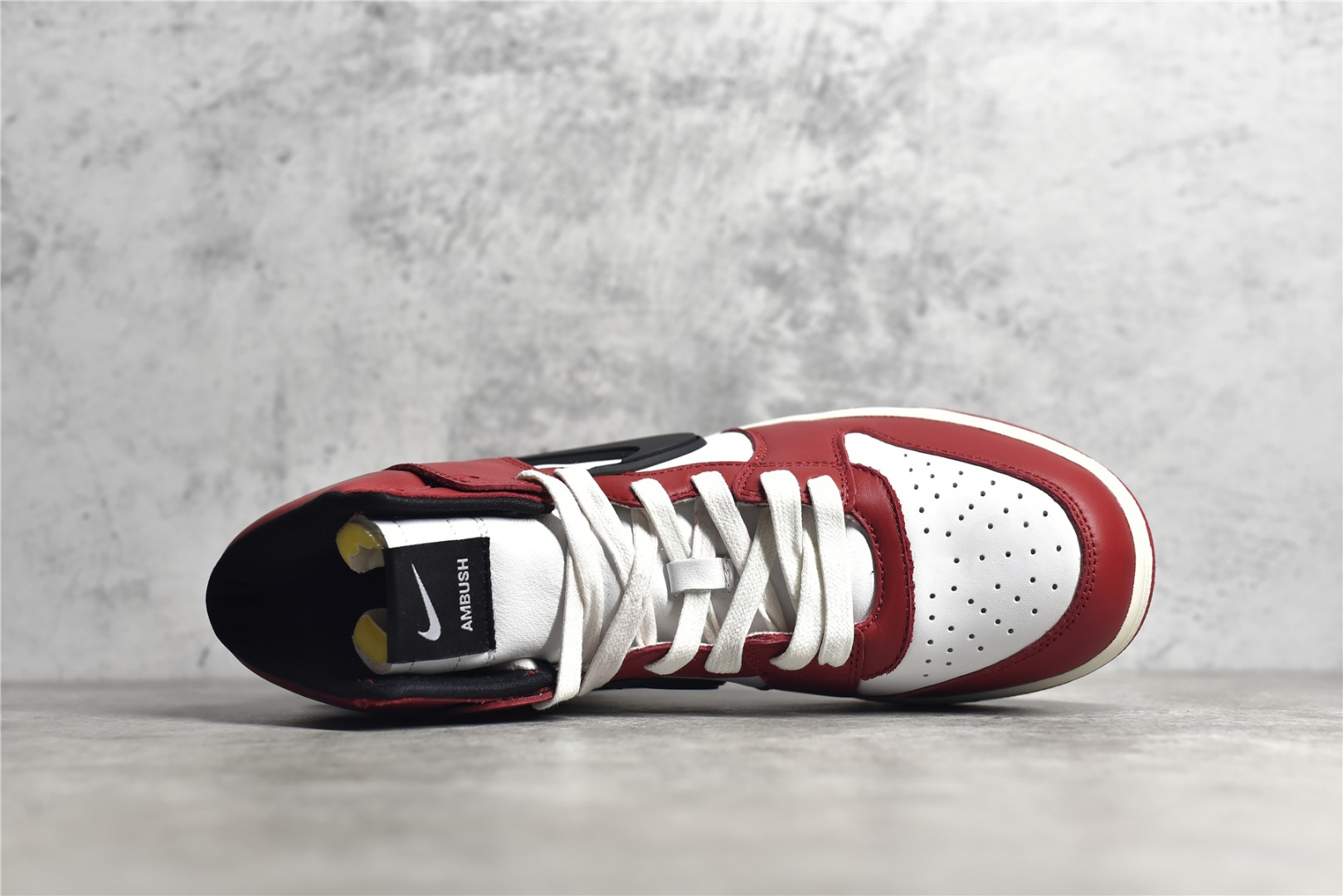 耐克Dunk AMBUSH联名芝加哥配色 AMBUSH x Nike Dunk High 耐克Dunk白红高帮 货号:CU7544-102-潮流者之家